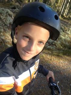 Oscar tog med cyklen