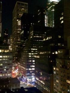 Hotel Pod 51 New York by night